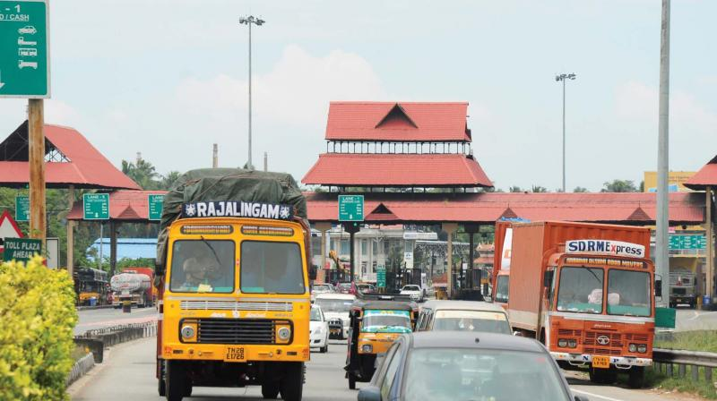 no-actions-against-traffic-block-in-paliyekkara-toll-plaza